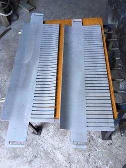 Дополнительный комплект к хлеборезательной машине А2-ХР-3П: 2 ножевые рамы с пластинчатыми ножами в сборе и 2-мя гребенками верхней и нижней для получения ломтей толщиной: 12; 14; 19; 22 мм - фото 6493