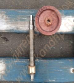 Винтовая пара (гайка бронзовая + винт стальной - ходовые) к траверсе подъема тестомеса Л4-ХТВ - фото 6528
