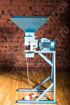 Дробилка вальцевая для измельчения хлебно-кондитерских отходов,  зерновых  злаков (исполнение - конструкционная сталь, окрашенная) - фото 6733