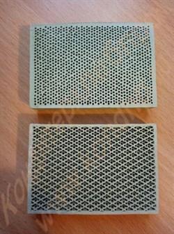 Рассекатель (пластина) керамический инфракрасный размером 65х45х12 мм к газовой горелке в печи тоннельной А2-ШБГ - фото 6794