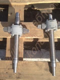 Винтовая пара (гайка бронзовая + винт стальной - ходовые) механизма траверсы подъема тестомеса Л4-ХТВ на 140 литров; тестомеса А2-ХТ-3Б  на 330 литров с предохранительной гайкой и сухариками - фото 6803