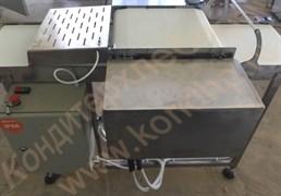 Машина  горизонтальной резки  бисквитных и хлебобулочных изделий на 3 части с двумя ножами