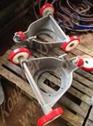 Каретка чугунная литая в сборе с полиуретановыми колесами к дежам объемом 330 литров Т1-ХТ2Д; объемом 140 литров А2-ХТД